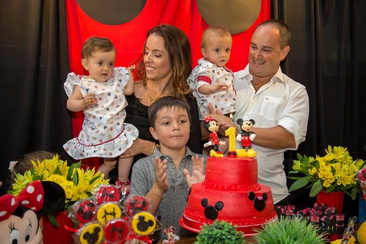 Festa de Aniversário 1 ano dos Gêmeos Heitor eHelena